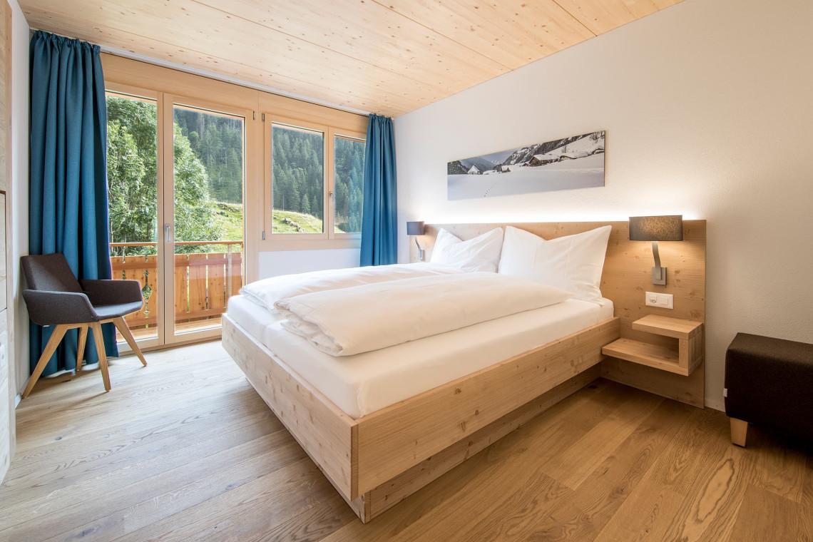 2019-gadmer-lodge-doppelzimmer-mit-balkon3