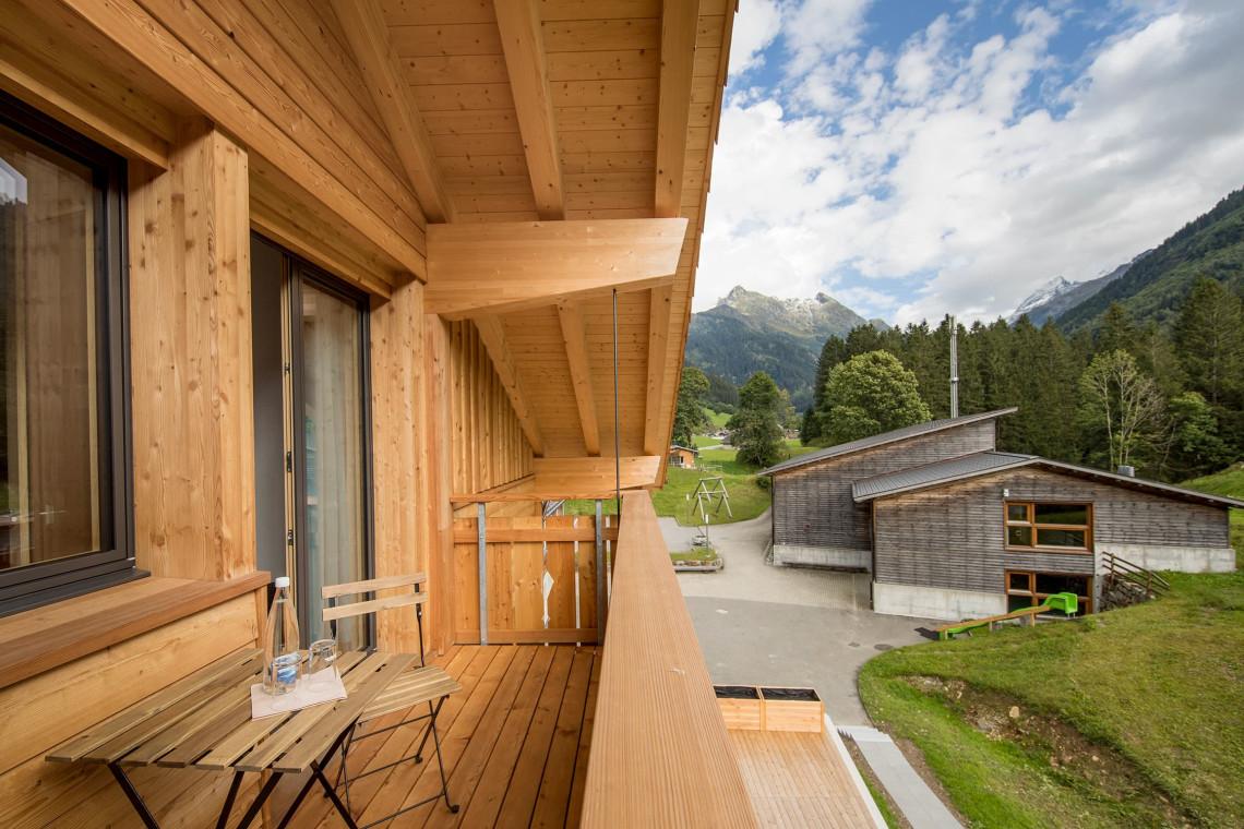 2019-gadmer-lodge-zimmer-balkon1