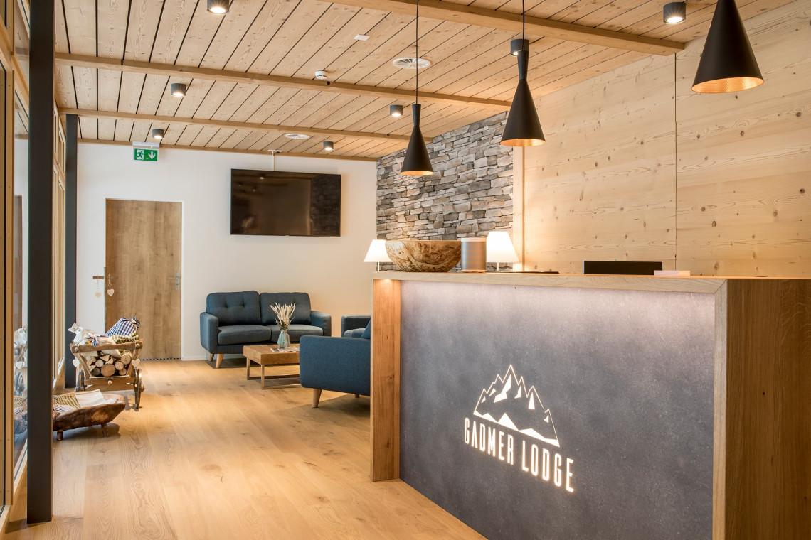 2019-gadmer-lodge-empfangsbereich1