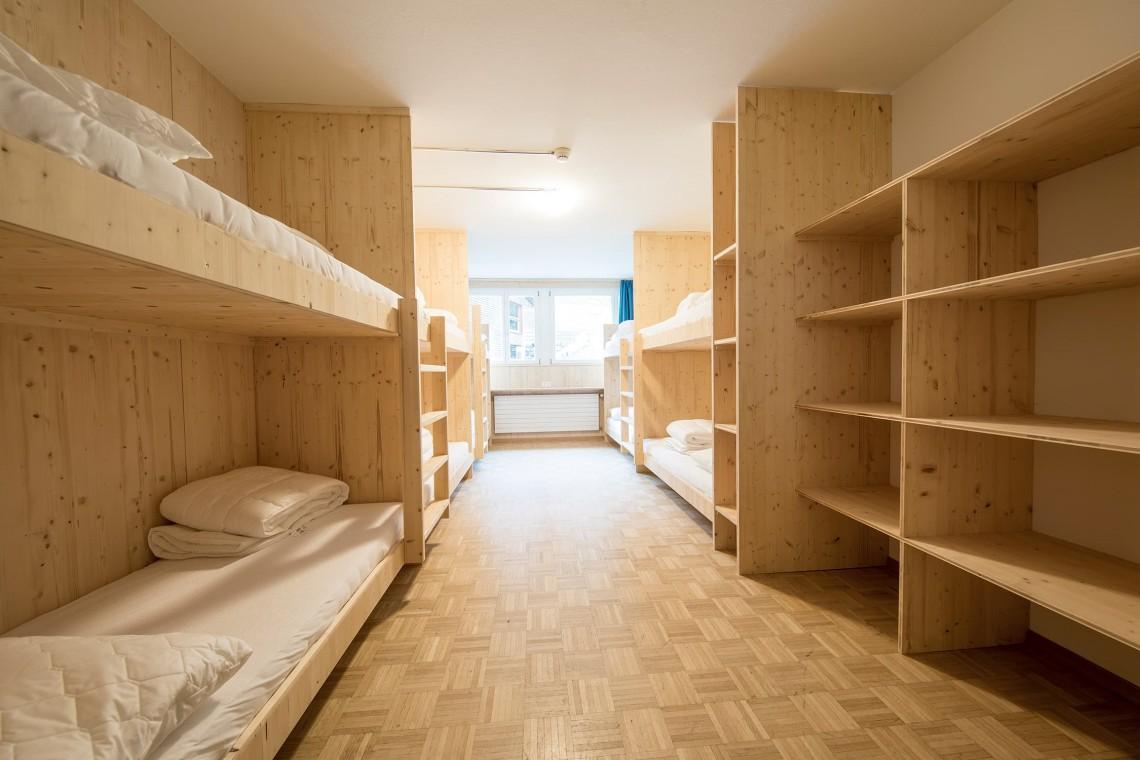 2019-gadmer-lodge-8bett-zimmer-low-budget