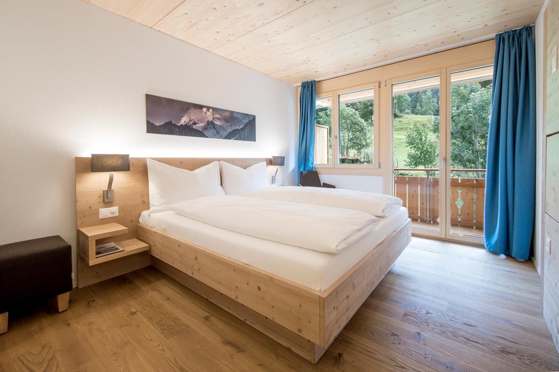 2019-gadmer-lodge-doppelzimmer-mit-balkon1
